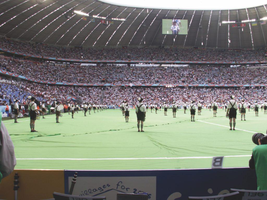 Auftritt der Trommler bei der Eröffnungsfeier der Fußball-WM 2006