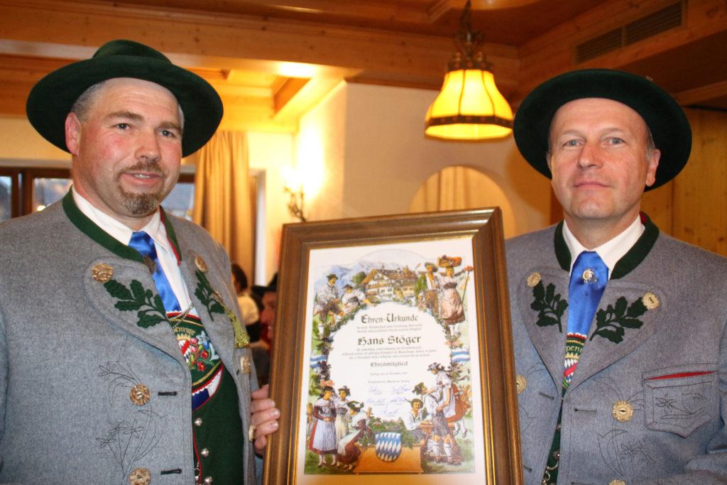 1. Vorstand Eric Bader ernennt Hans Stöger zum Ehrenmitglied